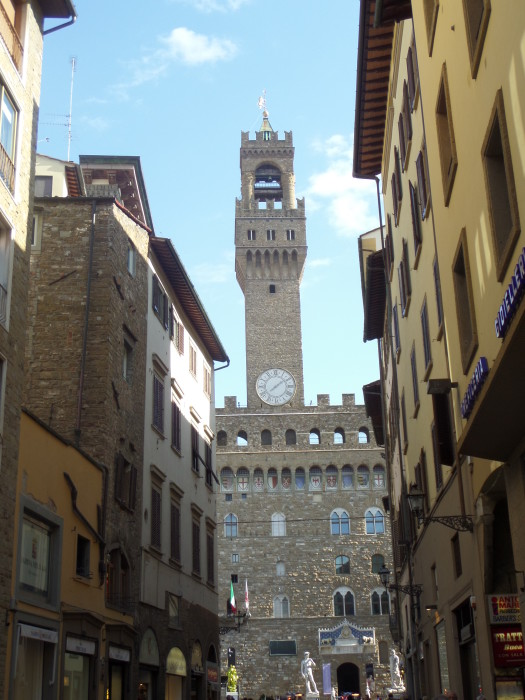 Medici Building walking tour in florence Our Walking Tour in Florence with My Tours Florence Tower View