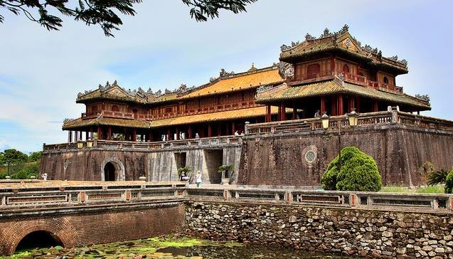 vietnam tours Classic Vietnam Tours from Tropical Sails Corp Vietnam Tours Imperial Citadel