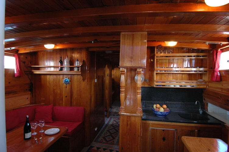 Southern Cross Timer Lounge